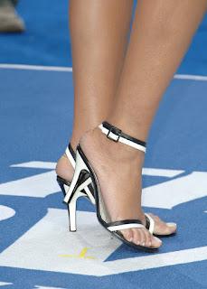7 los pies de Rihanna