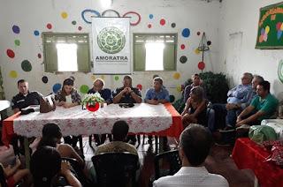 http://vnoticia.com.br/noticia/2710-reuniao-do-conselho-de-seguranca-em-travessao-de-barra-reune-moradores-e-autoridades