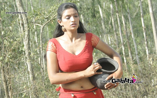 Malayalam Mallu Actress Devaleelai Hot and Sexy Images Gallery
