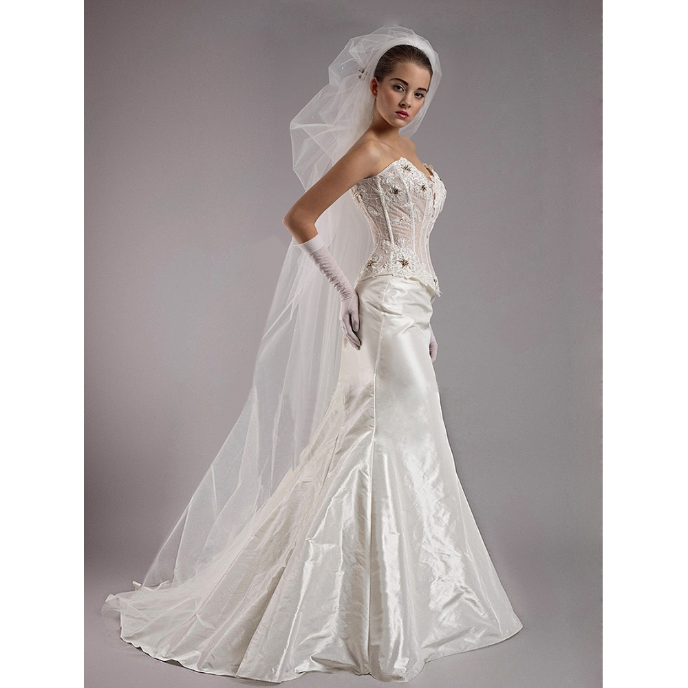 Wedding White Dresses: The Best White Lace Wedding Dress With Transparent Shawl
