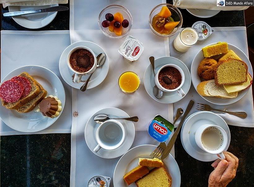 Café no hotel Gran Palace em Santiago - Diário de Bordo Chile: 8 dias em Santiago e arredores