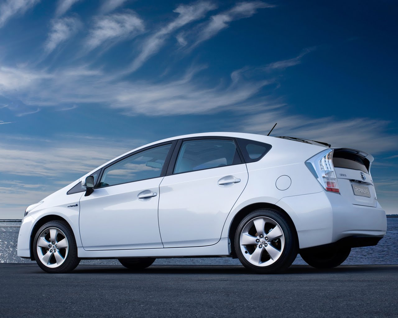 Top 5 Hybrid Cars In 2012