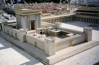 Model of Herod's Temple at the Israel Museum . Fotografía del Templo de Jerusalén en la maqueta del Jerusalén bíblico del jardín del Hotel Holyland en Jerusalén, Author Juan R. Cuadra