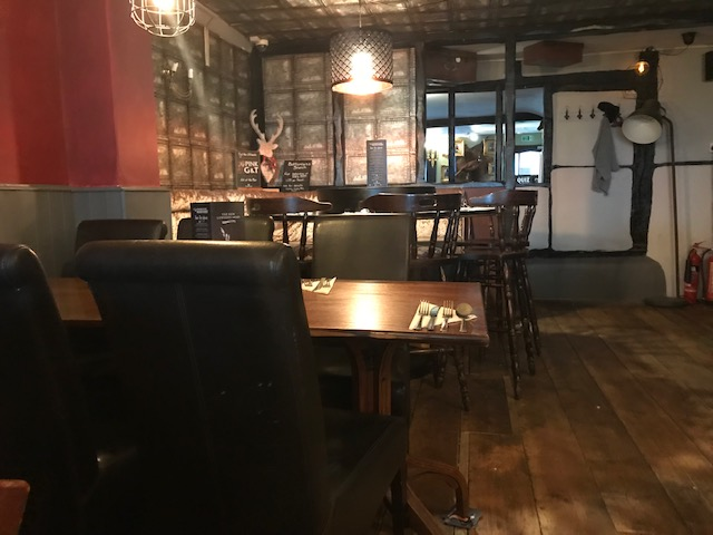 The New Lowndes Arms, Whaddon, Milton Keynes, Buckinghamshire, Food Blogger, Review, Parent Blogger, Family, Pub, Restaurant