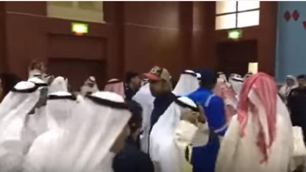 تفاصيل حادثة اعتداء وفد قطري علي وفد سعودي بسبب الشيخة موزة