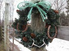 http://horsecountrychic.blogspot.fr/2013/12/an-equestrian-christmas.html