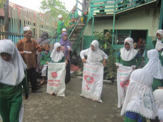Lomba Balap Karung HUT RI ke 72 Tahun 2017 MI Al Raudlah