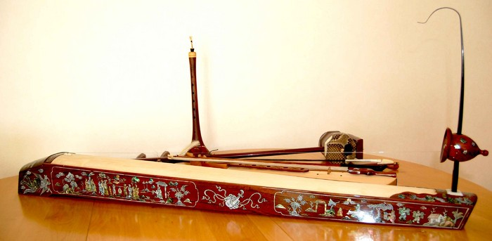 TravellerMeds: Đàn Bầu, Alat Musik Tradisional Vietnam