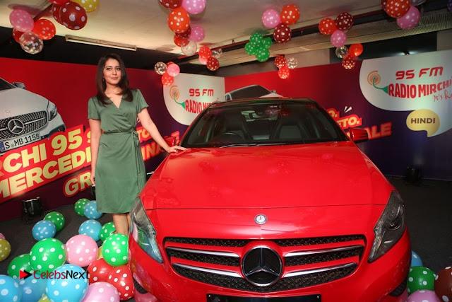 Raashi Khanna at Mirchi 95 Suno Mercedes Jeeto Contest Stills  0033