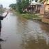 Diguyur Hujan, Jalan Di Desa Muara, Blanakan Subang Terendam Dan Berubah Menjadi Arena Pemancingan
