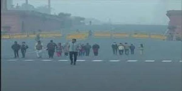 Delhi-me-morning-kuhasa-chaayaa-vayaau-gunvatta-me-thoda-sudhaar