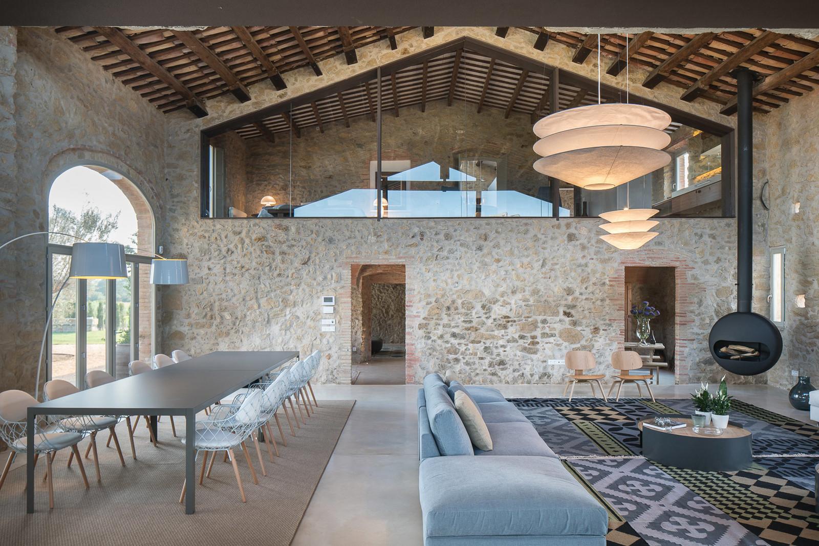 Il sofisticato restauro di un casale a girona coffee for Case di design moderno