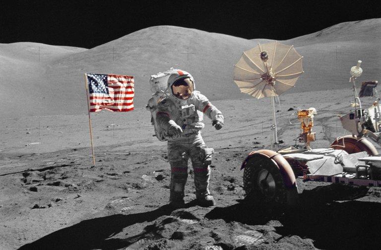 Upaya Manusia Menambang Kekayaan yang Tersimpan di Bulan
