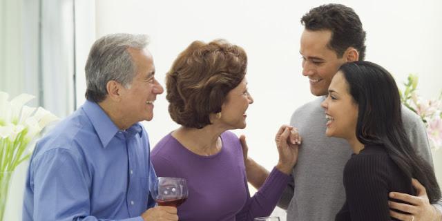 Gunakan 5 Cara Berkesan Ini Untuk Mendapatkan Hati Calon Mertua
