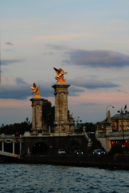 Alexander III Bridge. Seine. Paris. Мост Александра Третьего. Сена. Париж.