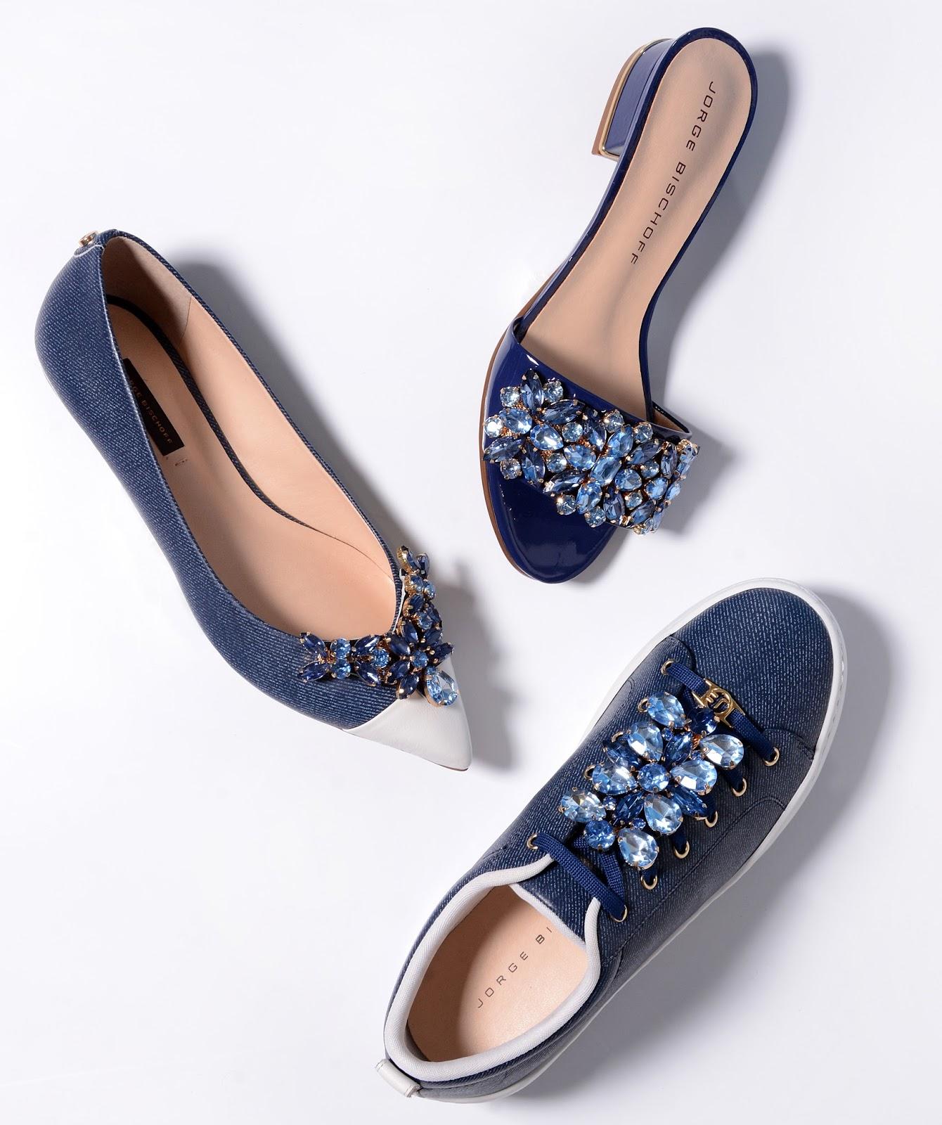 75c215b0b4 Esse estilo oferece autenticidade e ares contemporâneos à coleção. O couro  com estampa jeans