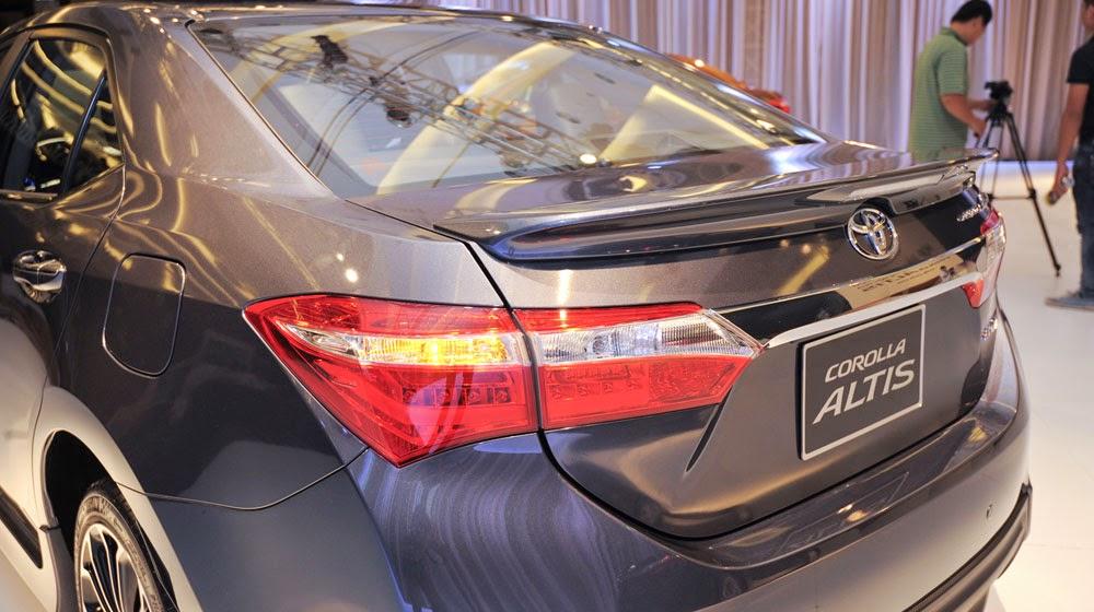 toyota%2Bcorolla%2Baltis%2B1.8%2Bg%2Bcvt%2B10 -  - Giá xe Toyota Corolla Altis 1.8G CVT - Đánh giá chi tiết Toyota Corolla Altis 1.8G CVT 2015