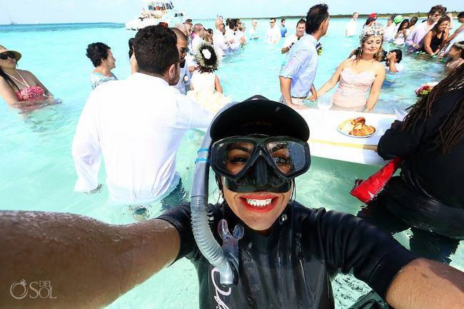 incrivel casamento realizado no mar no caribe 14 - Um casamento no meio do mar. Diferente de tudo que você já viu.