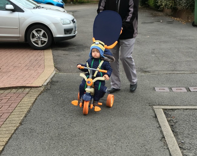 toddler on smart trike