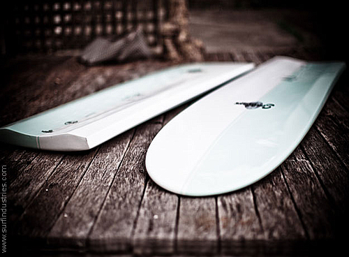 GlobalSurf­_Seaglass_Tuna_surfboard_Changing_ways