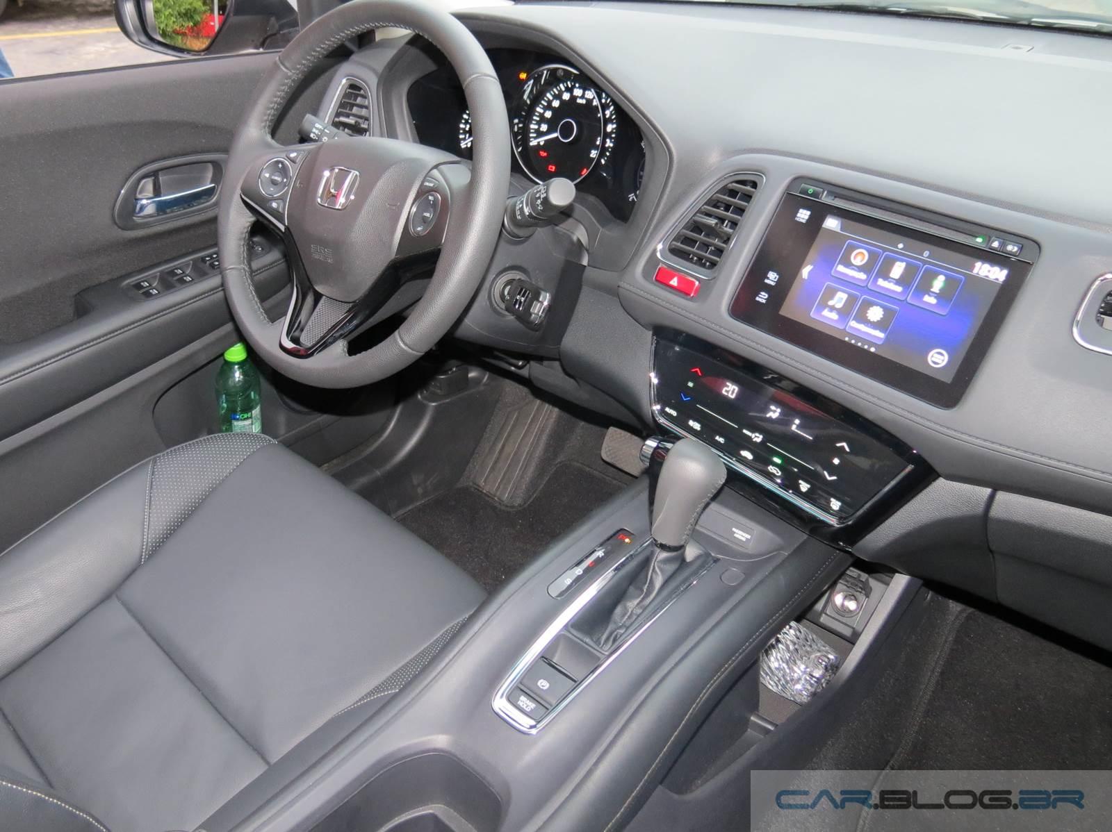 Honda HR-V - interior - painel