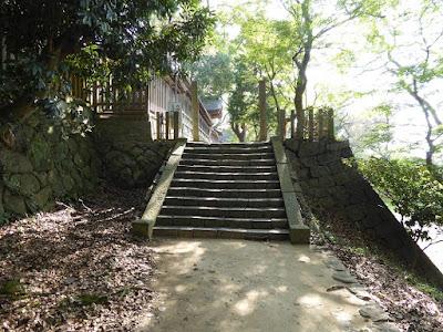 四條畷神社 北側の階段