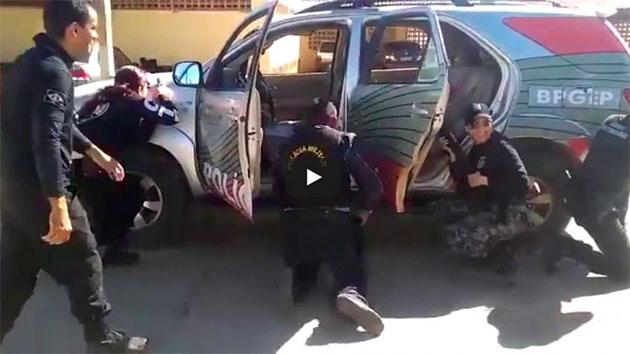 APRENDA COMO OS POLICIAIS FAZEM AQUELES MOVIMENTOS MANEIROS DOS FILMES