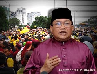 Ibrahim Ali defensor de musulmanes en Malasia