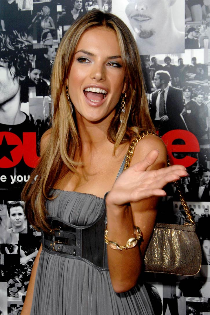 Vctoria Secret Models: Alessandra Ambrosio Wallpaper And
