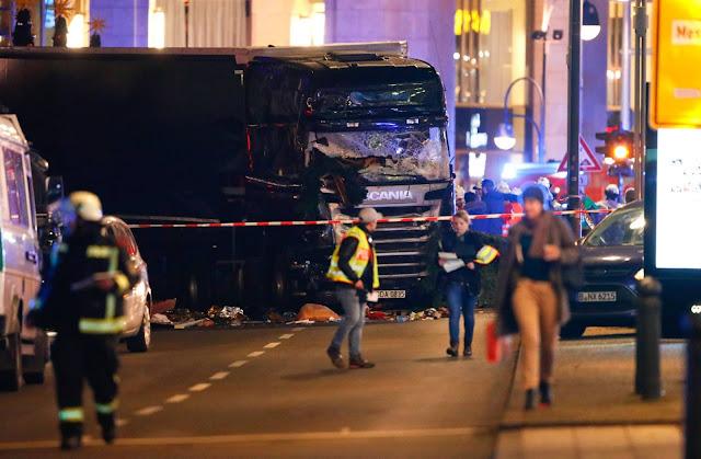 Posible atentado con camión en   mercadillo navideño  Berlín  varios muertos