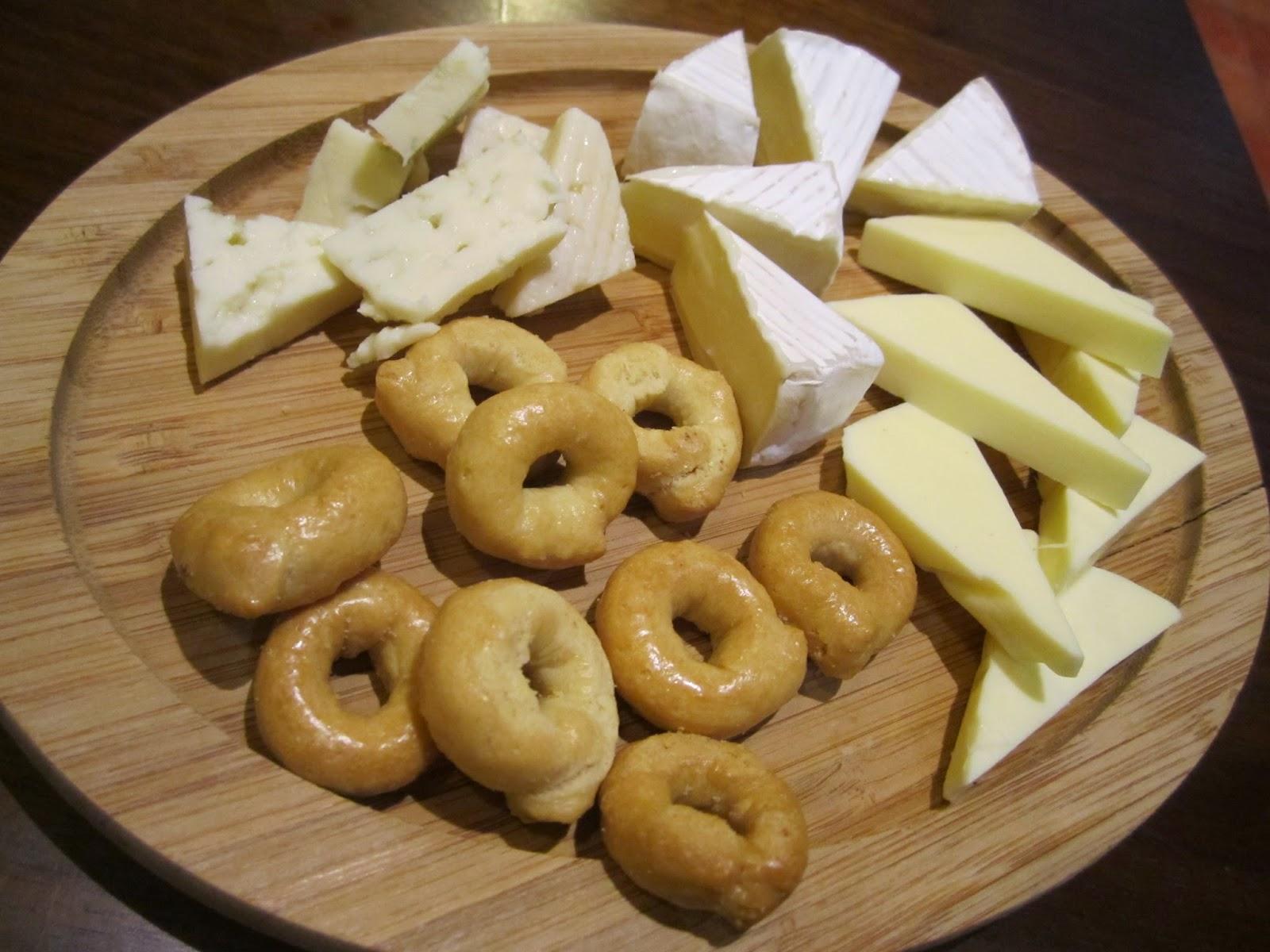 3 Variety Cheese Plate Sette Colore Towada Italian Bar 3種チーズの盛り合わせ セッテコローレ イタリアンバー 十和田市