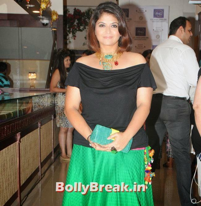 Pragati Mehra, Hrishita Bhatt at Satyam Shivam Sundaram Jewellery Launch