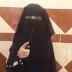 """De terror: le """"enseñan"""" a una niña a cortar el cuello de los infieles (VIDEO)"""