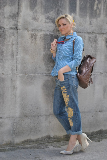 outfit jeans boyfriend decorati jeans con decorazioni denim total look come abbinare i jeans decorati abbinamenti jeans decorati boyfriend jeans outfit outfit giugno 2016 mariafelicia magno fashion blogger colorblcok by felym fashion blog italiani fashion blogger italiane blog di moda blogger italiane di moda influencer italiane