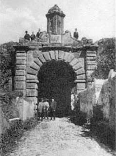 OLD PHOTOS / Arco da Aramenha, Castelo de Vide, Portugal