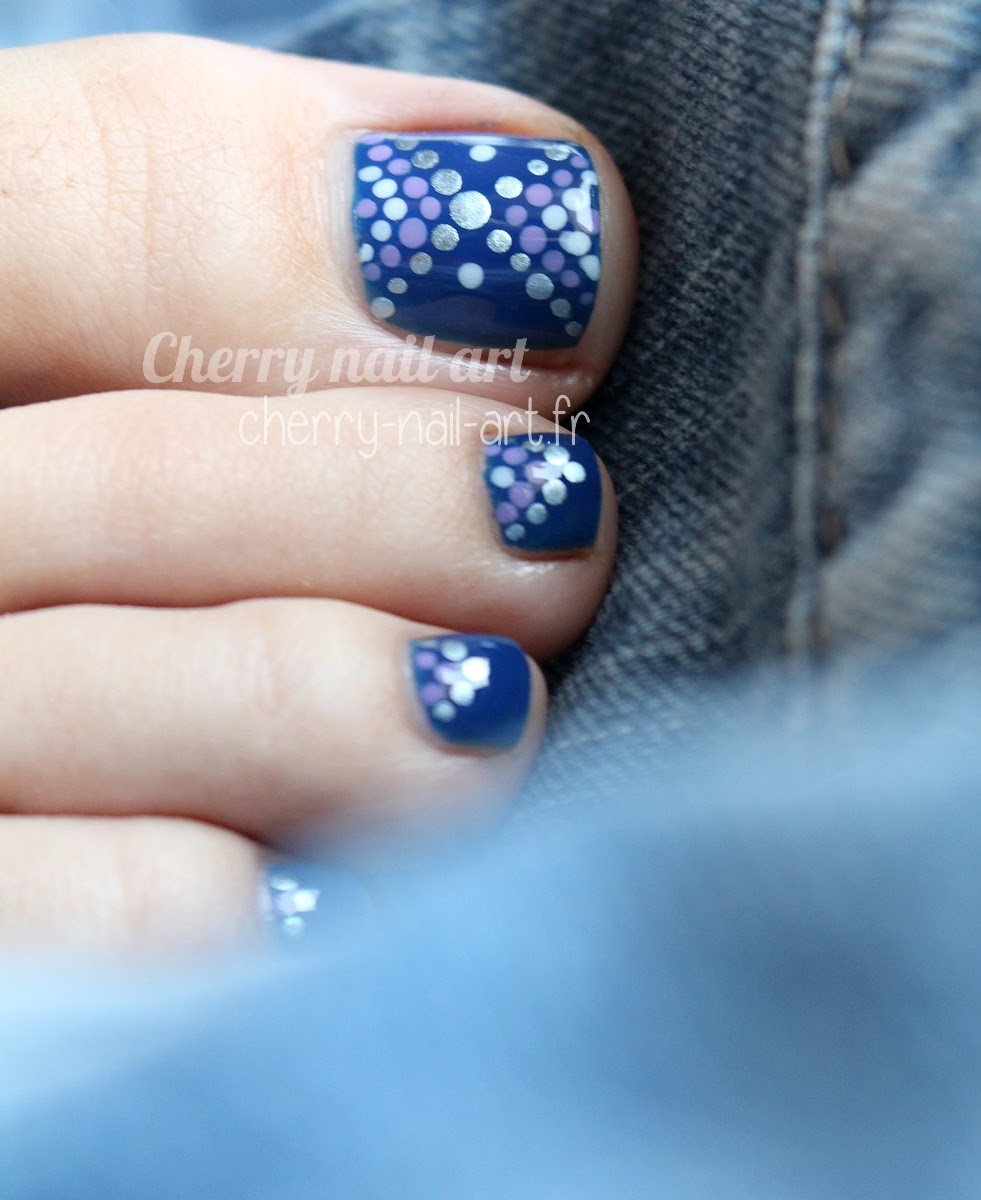 nail-art-pieds-pedicure-points-vernis-dotting