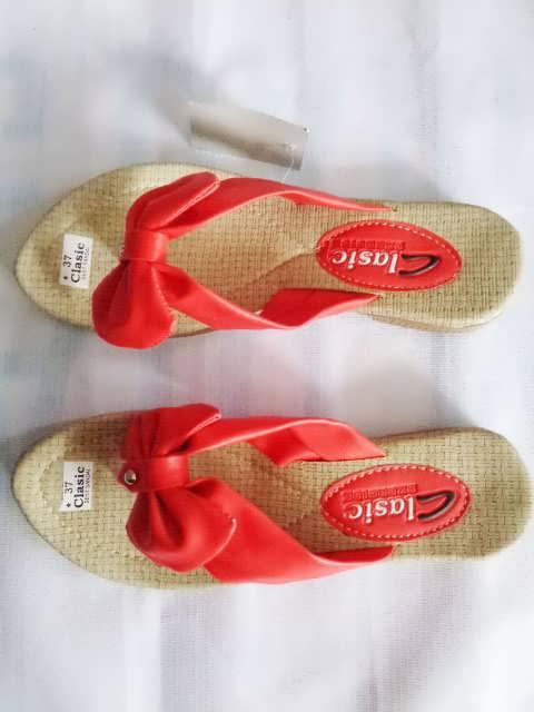 sandal classic pita red wanita dewasa