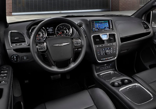 Chrysler Town Country S Dashboard