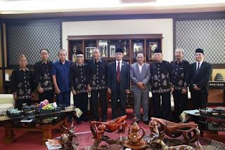 Audiensi Dewan Pendidikan ke Walikota Mataram