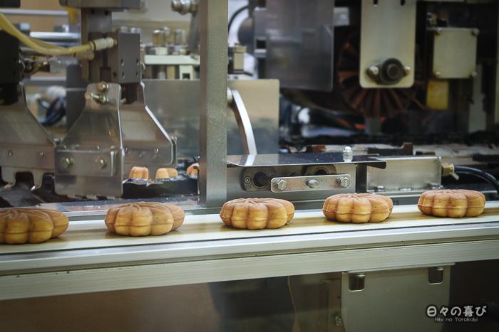 fabrique de momiji manju à Miyajima, préfecture d'Hiroshima