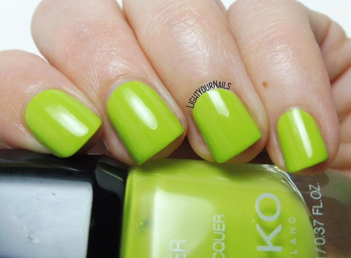 Smalto verde pistacchio Kiko Power Pro 114 Lime Juice pistachio green creme nail polish #kikonails #kikocosmetics #kikotrendsetter #lightyournails