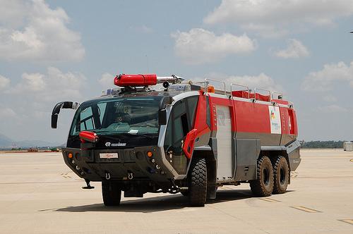 Foto Mobil Pemadam Kebakaran Tercanggih 10