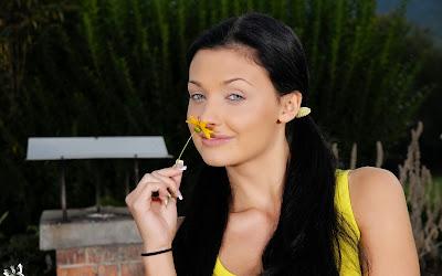 Объркаха Диляна Попова с унгарска актриса!?