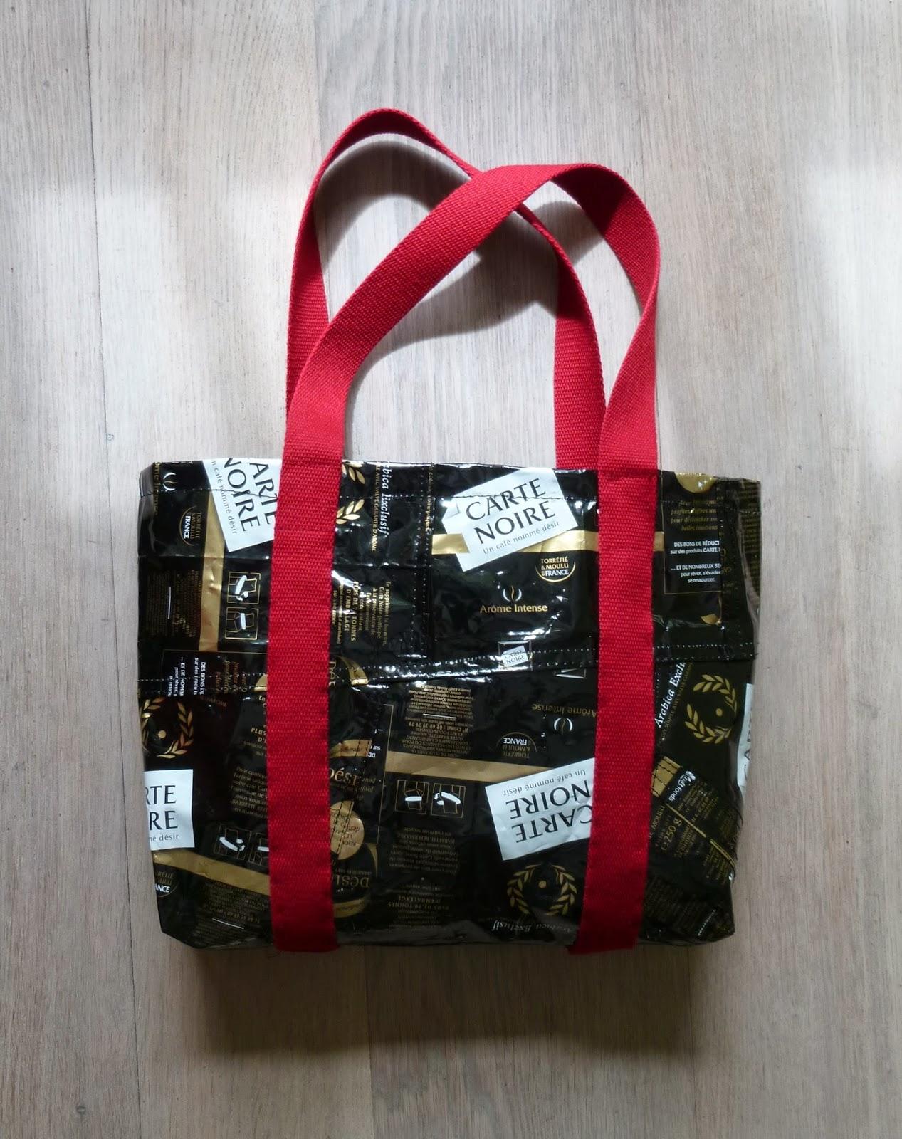 longchamp bricole sac paquets caf fa on patchwork. Black Bedroom Furniture Sets. Home Design Ideas