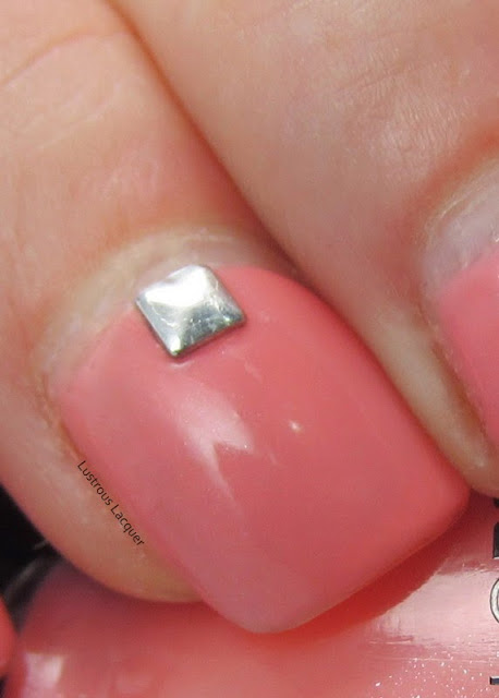 Sinful-Colors-Cream-Soda-Silver-Nail-Studs