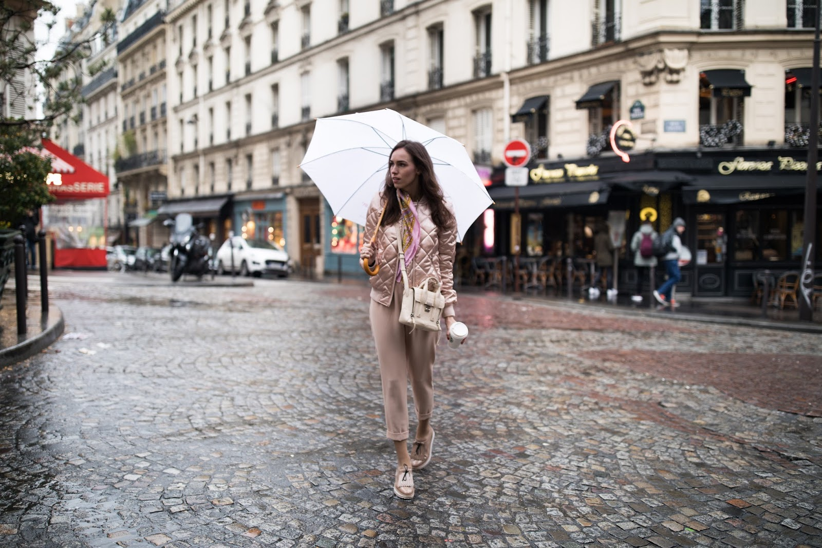 paris street style rainy day outfit