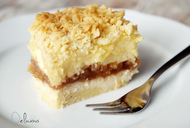 szarlotka, ciasto z jabłkami, szarlotka przepis, przepis na szarlotkę, szarlotka pod kruszonką, szarlotka z pianką, jabłecznik, przepis na jabłecznik, jabłka, jesienne ciasto