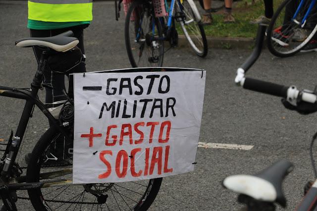 marcha contra el gasto militar