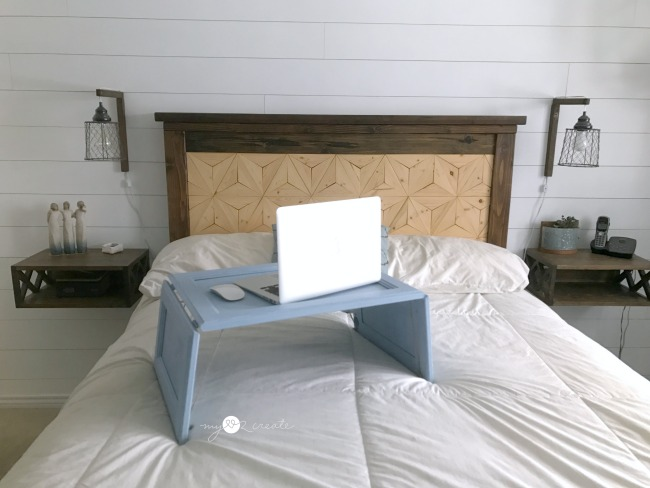 using a lap desk for your laptop in bed
