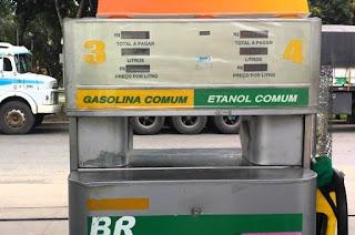 http://vnoticia.com.br/noticia/2736-governador-sanciona-lei-que-pune-postos-que-adulteram-bomba-de-gasolina
